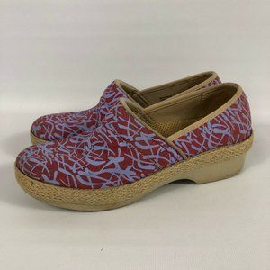 Women's 38/8 US Dansko Victoria Red Grass Canvas